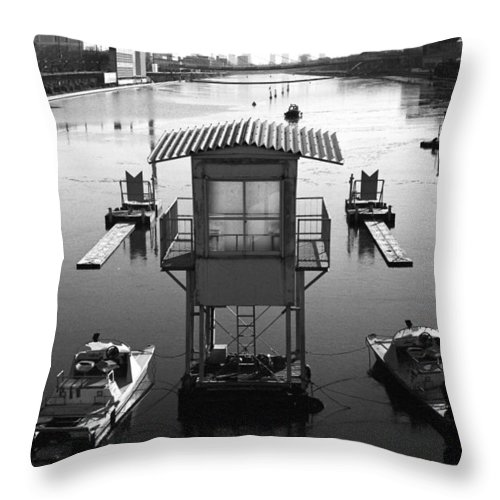 Standing Water Throw Pillow featuring the photograph Frozen Boat Course by Huzu1959