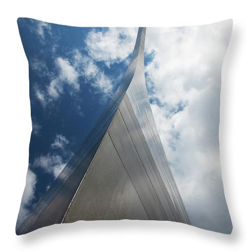Arch Throw Pillow featuring the photograph Gateway Arch, St. Louis, Missouri by Elisabeth Pollaert Smith