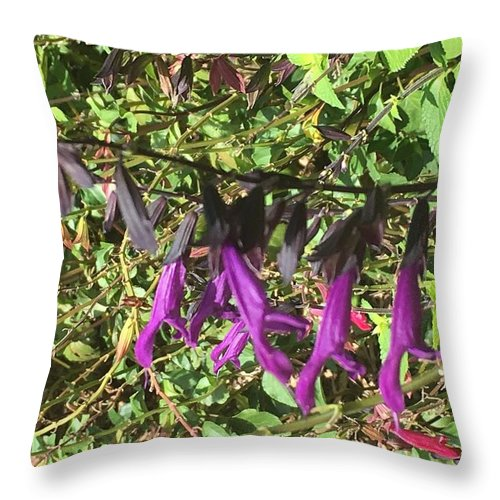 Throw Pillow featuring the photograph Lonely by Gewanda Parker