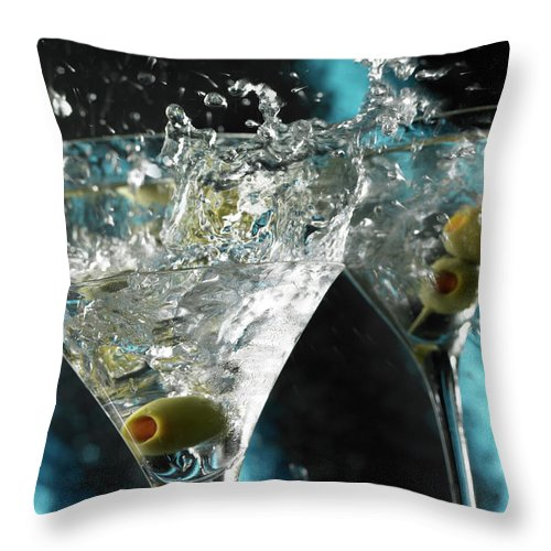 Alcohol Throw Pillow featuring the photograph Martini Wild Splash by Triton21