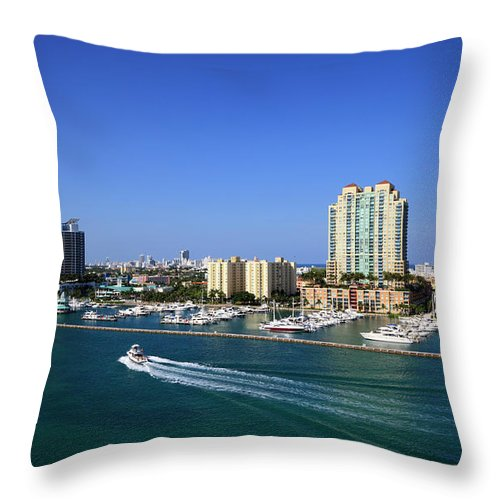 Built Structure Throw Pillow featuring the photograph Miami Beach Marina by Jorgegonzalez