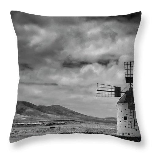 Tranquility Throw Pillow featuring the photograph Molino De Cotillo by Martin Zalba