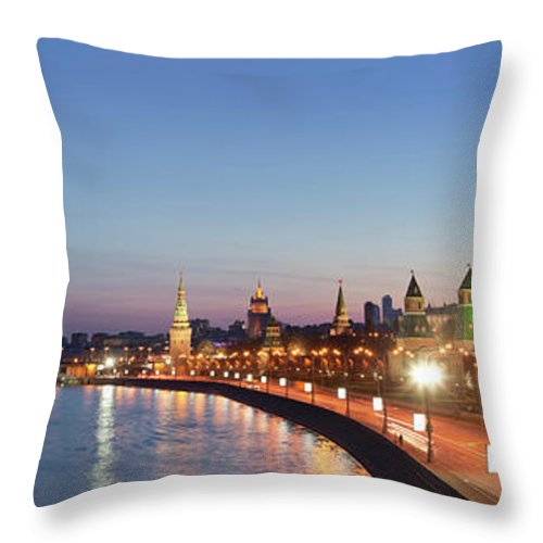Panoramic Throw Pillow featuring the photograph Moscow River At Dusk by Siegfried Layda