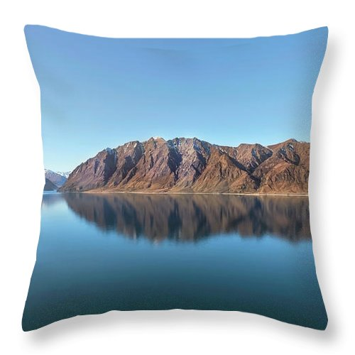 Scenics Throw Pillow featuring the photograph Mountain Reflected On Lake Hawea by Verity E. Milligan