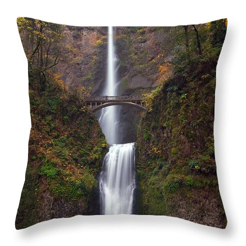 Scenics Throw Pillow featuring the photograph Multnomah Falls by Ted Ducker Photography
