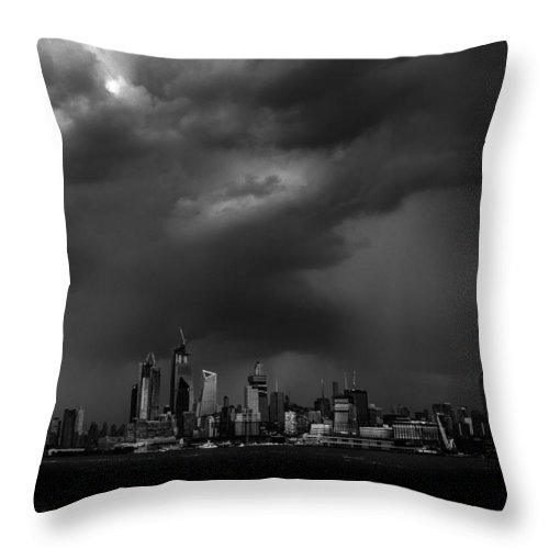 New York Throw Pillow featuring the photograph New Icons by Luis Vasquez