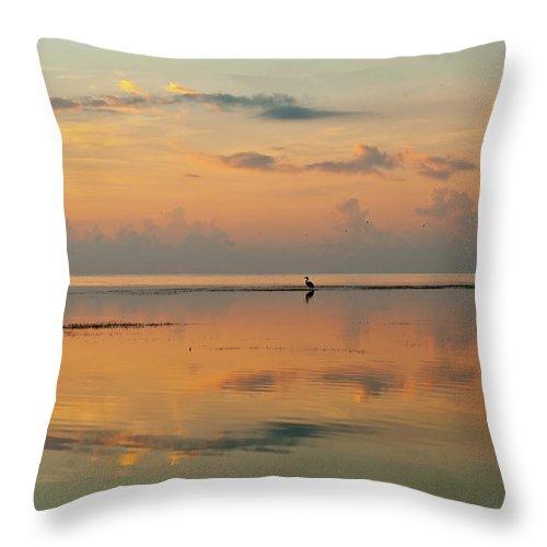 Sunrise Throw Pillow featuring the photograph No Ripple by Edgar Estrada