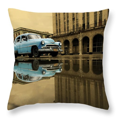 Arch Throw Pillow featuring the photograph Old Blue Car In Havana by 1001nights