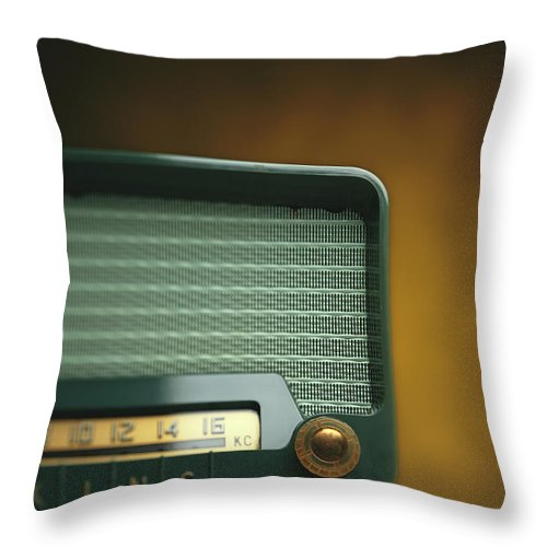 Analog Throw Pillow featuring the photograph Old-fashioned Radio With Dial Tuner by Stockbyte
