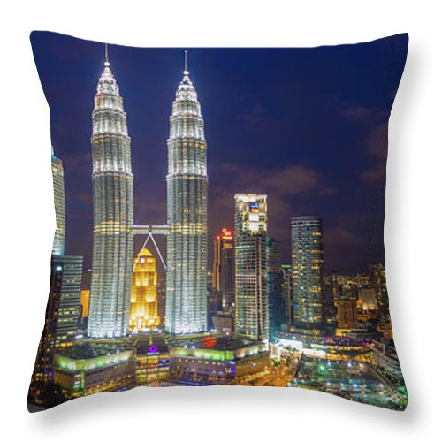 Panoramic Throw Pillow featuring the photograph Panoramic View Of Petronas Twin Towers by Www.imagesbyhafiz.com