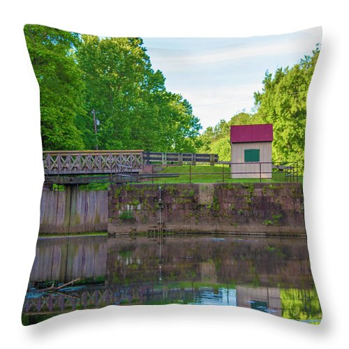 Phoenixville Throw Pillow featuring the photograph Phoenixville - Mont Clare - Lock 60 by Bill Cannon