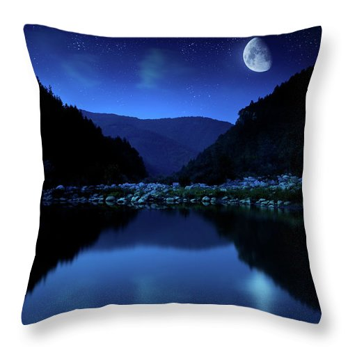 Water's Edge Throw Pillow featuring the photograph Rising Moon Over Lake by Da-kuk