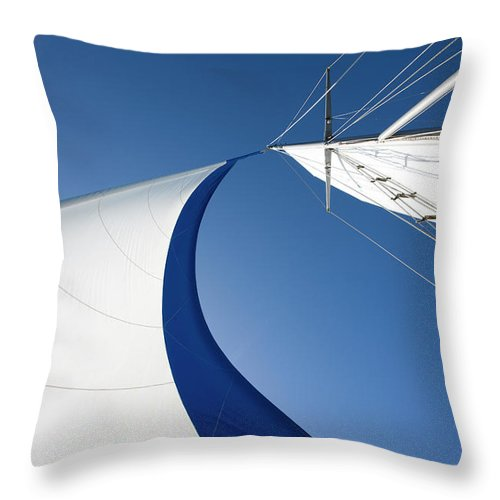 Curve Throw Pillow featuring the photograph Sailing by Tammy616