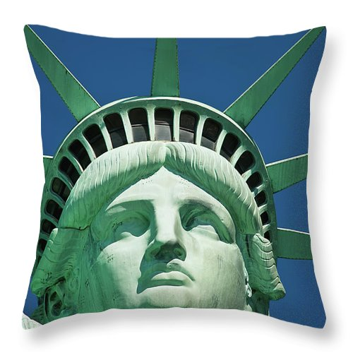 Statue Of Liberty Throw Pillow For Sale By Tetra Images