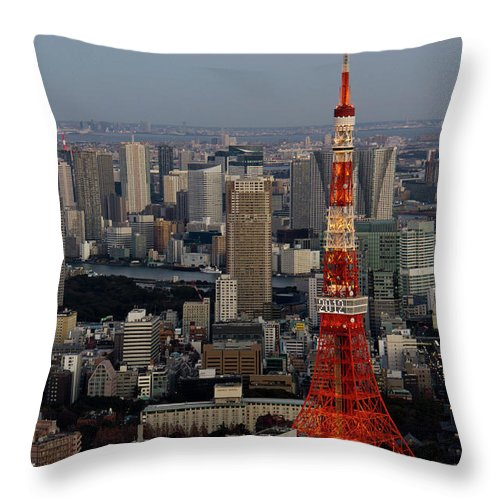 Tokyo Tower Throw Pillow featuring the photograph Tokyo Tower At Dusk by Lluís Vinagre - World Photography