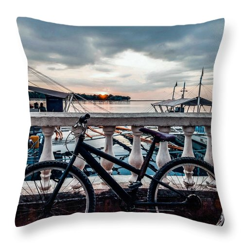 Bike Throw Pillow featuring the photograph Traveller's point by Dynz Abejero
