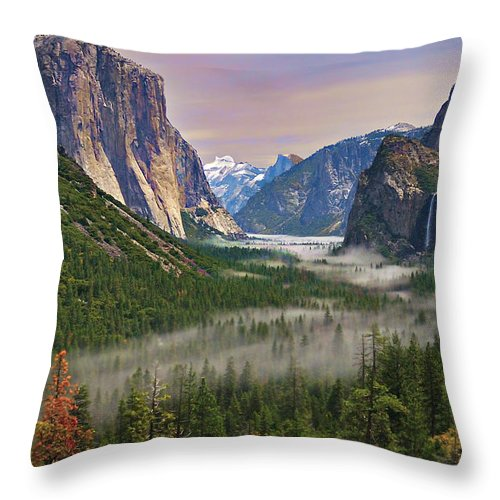Scenics Throw Pillow featuring the photograph Tunnel View. Yosemite. California by Sapna Reddy Photography