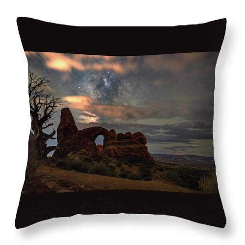 Turret Throw Pillow featuring the photograph Turret Arch And Tree by Marybeth Kiczenski