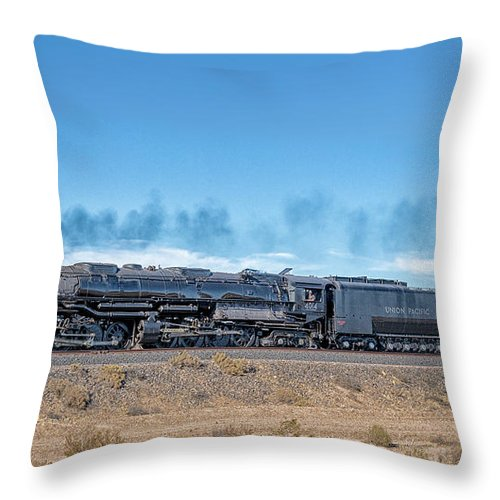 Big Boy Throw Pillow featuring the photograph Up4014big Boy 5 by Jim Thompson