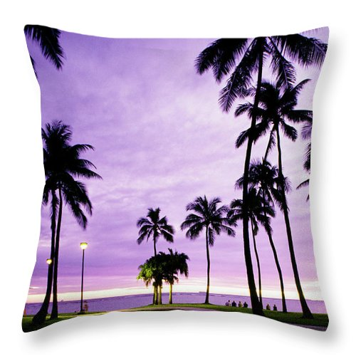 Scenics Throw Pillow featuring the photograph Usa, Hawaii, Oahu, Honolulu, Waikiki by Maremagnum