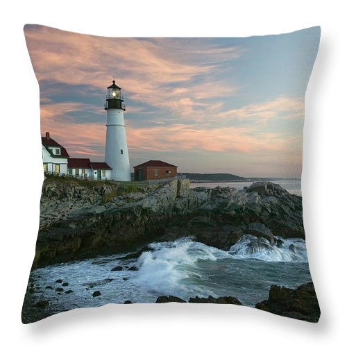 Scenics Throw Pillow featuring the photograph Usa, Maine, Cape Elizabeth, Portland by Visionsofamerica/joe Sohm