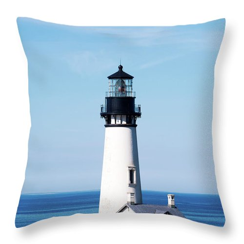 Yaquina Head Lighthouse Throw Pillow featuring the photograph Yaquina Head Lighthouse 101618 by Rospotte Photography