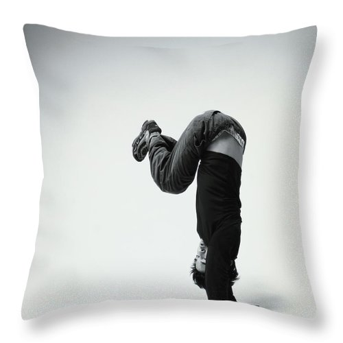 Youth Culture Throw Pillow featuring the photograph Young Man Breakdancing B&w by Karen Moskowitz