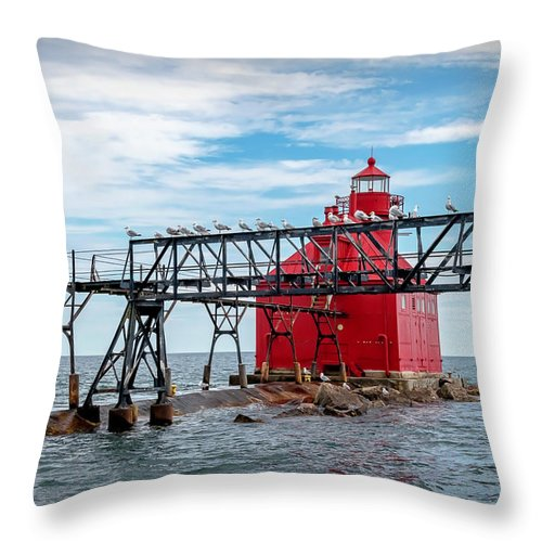 Lighthouse Throw Pillow featuring the photograph 20-0607-0041 by Anthony Roma