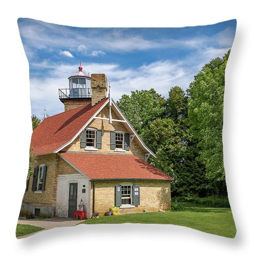 Lighthouse Throw Pillow featuring the photograph 20-0608-0070 by Anthony Roma