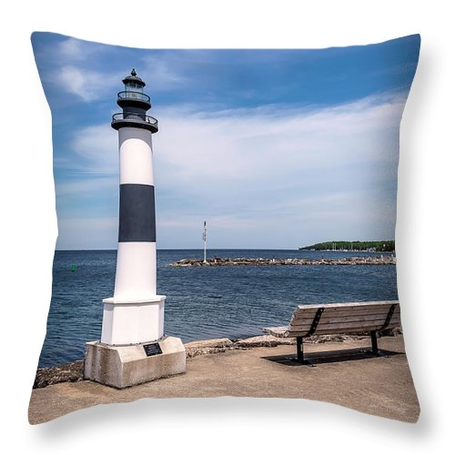 Lighthouse Throw Pillow featuring the photograph 20-0608-0103 by Anthony Roma