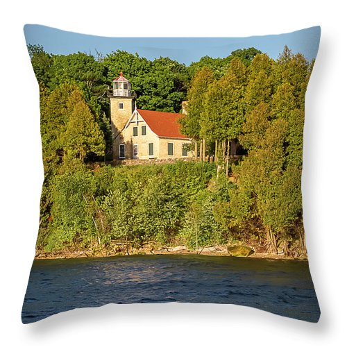Lighthouse Throw Pillow featuring the photograph 20-0608-0125 by Anthony Roma