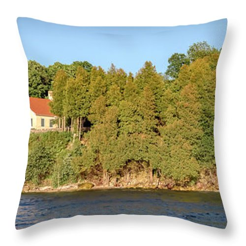 Lighthouse Throw Pillow featuring the photograph 20-0608-0126 by Anthony Roma