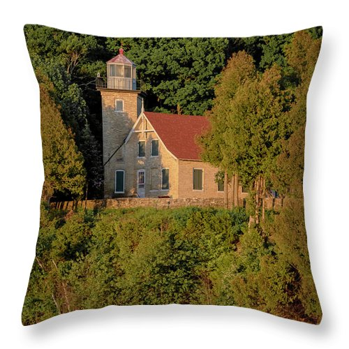 Lighthouse Throw Pillow featuring the photograph 20-0608-0168 by Anthony Roma