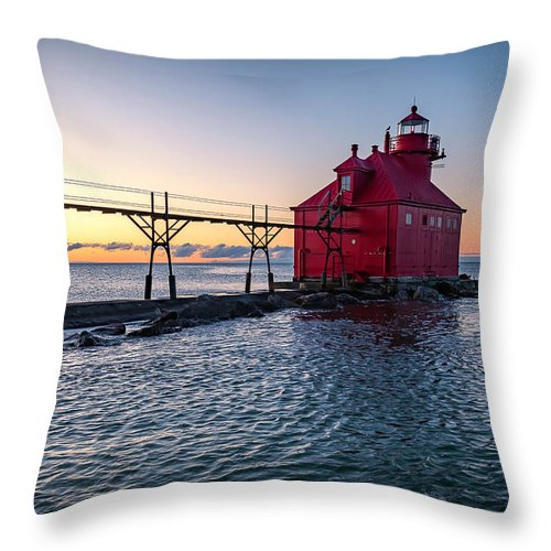 Lighthouse Throw Pillow featuring the photograph 20-0611-0319 by Anthony Roma