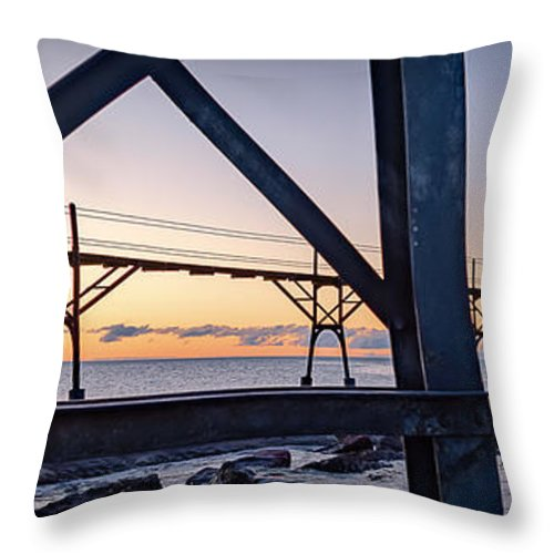 Lighthouse Throw Pillow featuring the photograph 20-0611-0329 by Anthony Roma