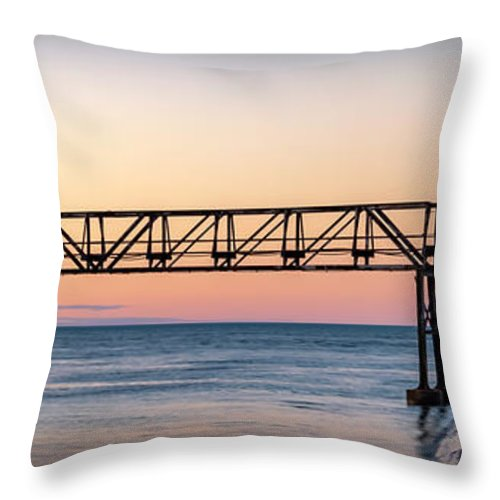 Lighthouse Throw Pillow featuring the photograph 20-0611-0355 by Anthony Roma