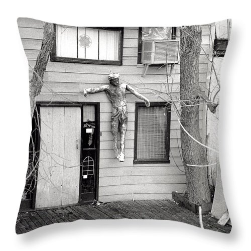 Home Throw Pillow featuring the photograph Welcome by Steven Huszar