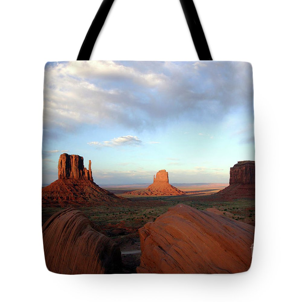 Monument Tote Bag featuring the photograph 0583 Moument Valley by Steve Sturgill