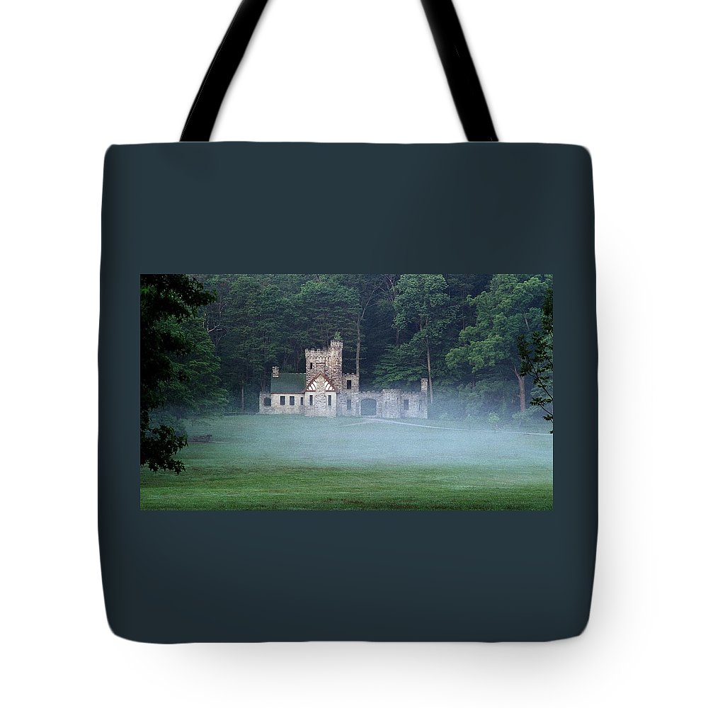 Squire Tote Bag featuring the photograph 070506-42 by Mike Davis