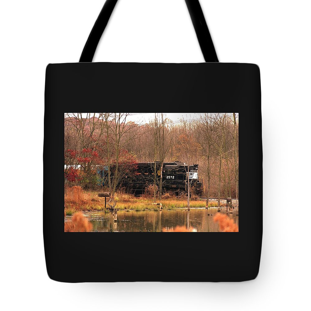 Train Tote Bag featuring the photograph 080706-57 by Mike Davis