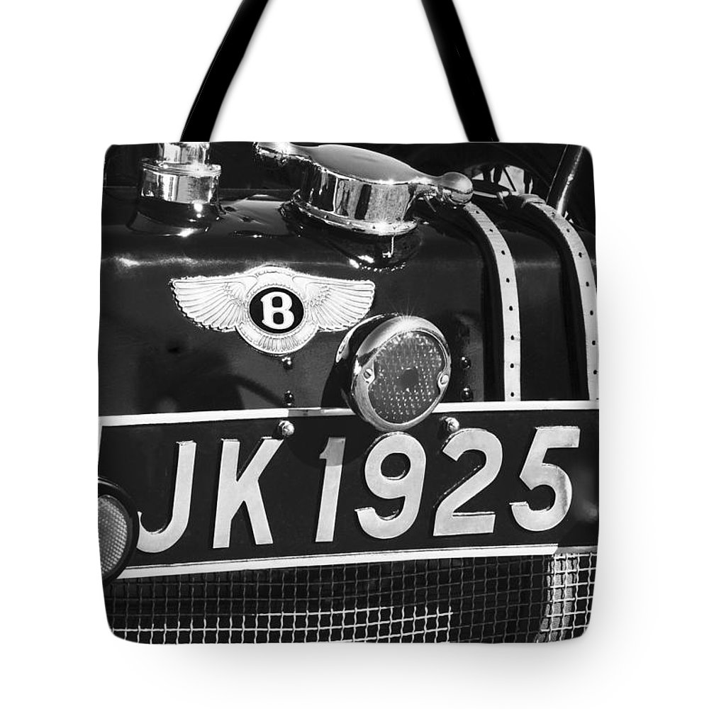 1931 Bentley 4.5 Liter Supercharged Le Mans Taillight Emblem Tote Bag featuring the photograph 1931 Bentley 4.5 Liter Supercharged Le Mans Taillight Emblem by Jill Reger