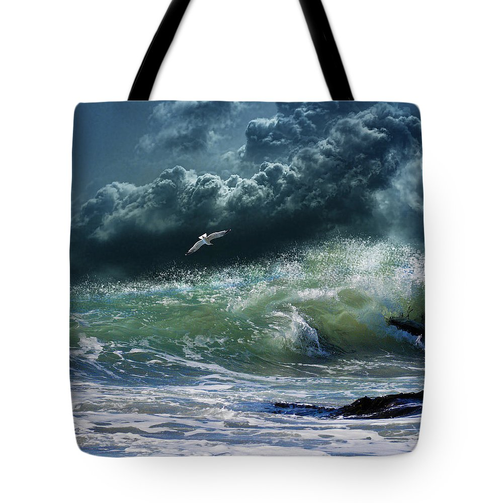 Seascape Tote Bag featuring the photograph 3327 by Peter Holme III