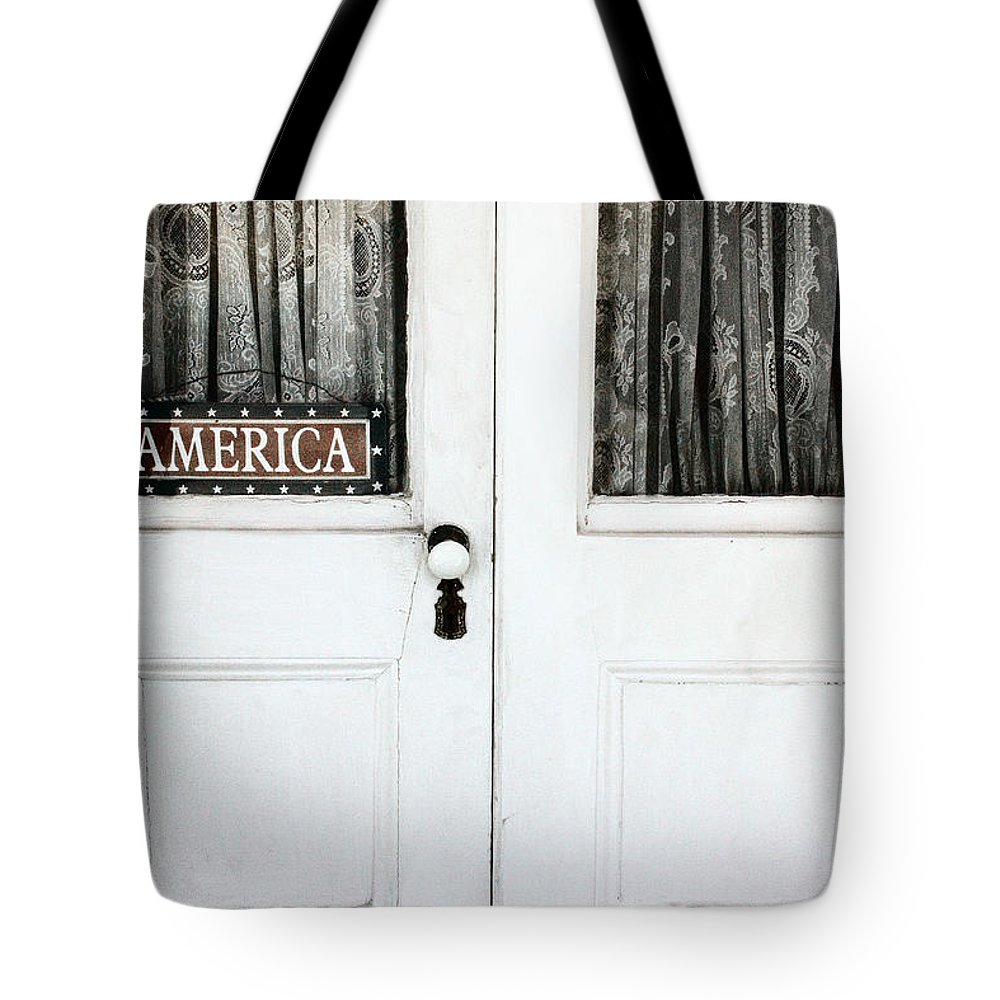 Building Tote Bag featuring the photograph America by Margie Hurwich