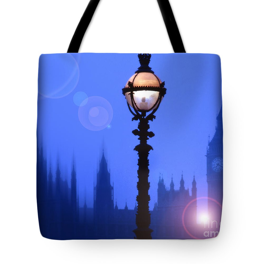 London Tote Bag featuring the photograph As Night Falls by Edmund Nagele