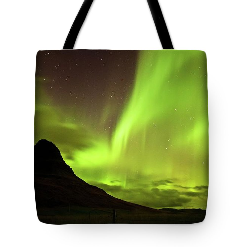 Scenics Tote Bag featuring the photograph Aurora Borealis by Geinis