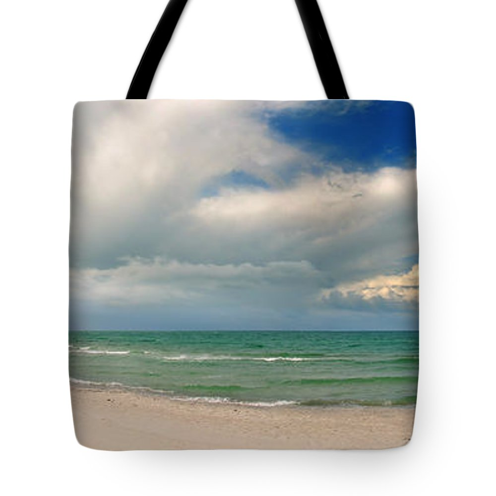 Ostsee Tote Bag featuring the pyrography Beach Prerow by Steffen Gierok