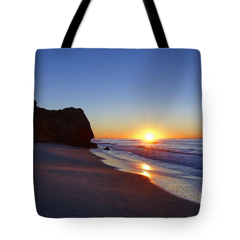 Lucy Vincent Beach Tote Bag featuring the photograph Beach Sunrise by John Greim