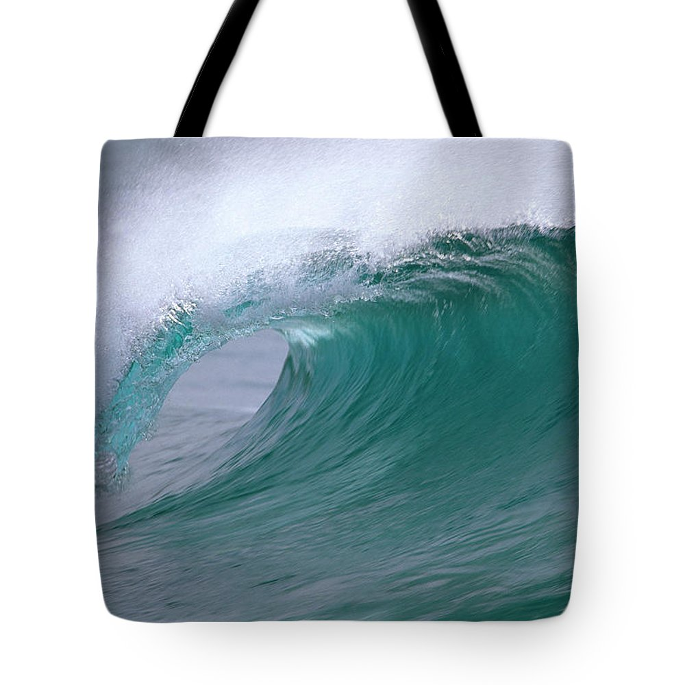 Fn Tote Bag featuring the photograph Breaking Wave North Shore Hawaii by Winfried Wisniewski