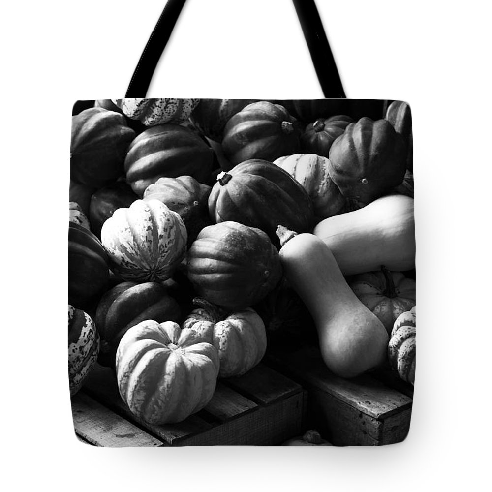 Horizontal Tote Bag featuring the photograph Bw Farm Market Acorn Butternut And Carnival Squash Michigan Usa by Sally Rockefeller