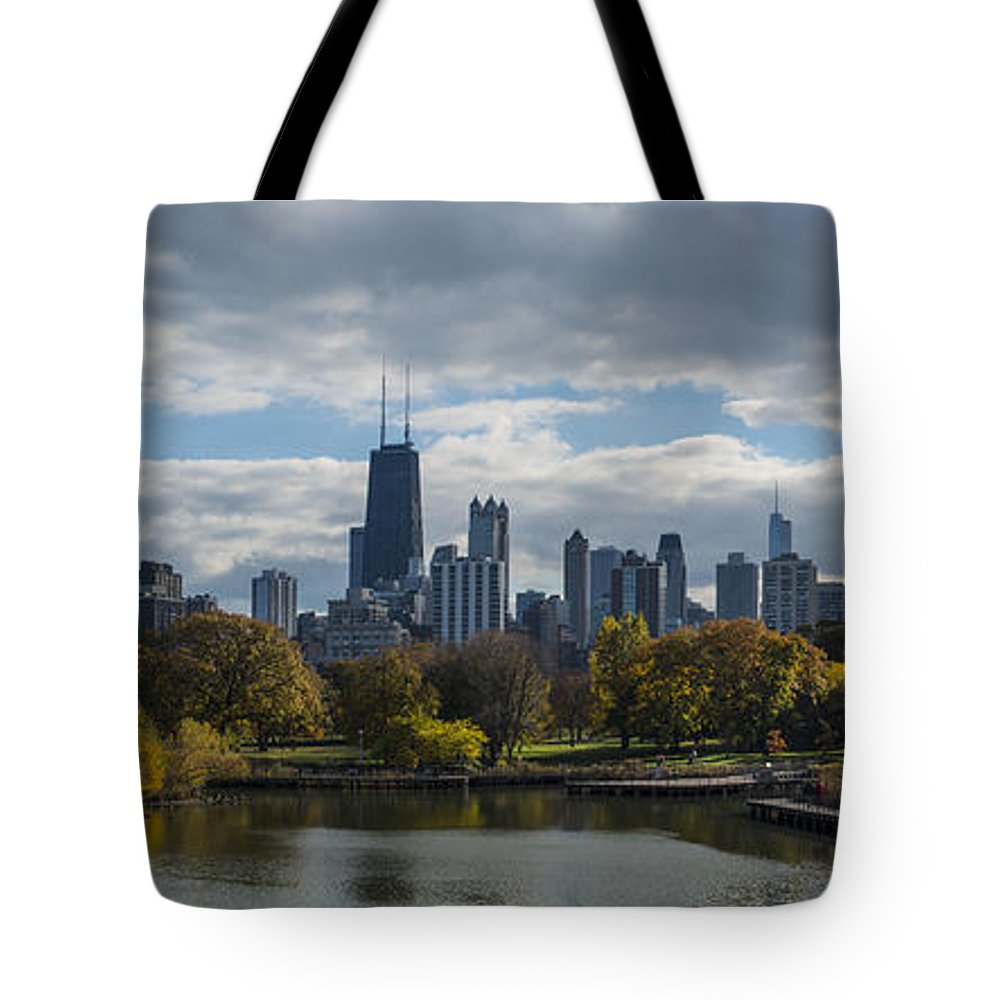 Chicago Tote Bag featuring the photograph Chicago Lincoln Park by Patrick Warneka